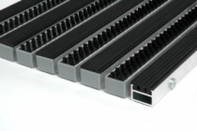 """Алюминиевые грязезащитные решетки h17 и h26 """"Резина - щётка трёхрядная"""""""