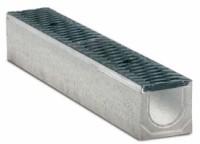 Водоотводные бетонные лотки с уклоном серии MAXI с внутренним сечением 100 мм с чугунной решеткой кл.Е